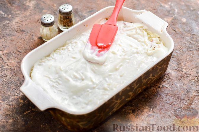 Фото приготовления рецепта: Запеканка из квашеной капусты, мясного фарша и риса - шаг №13
