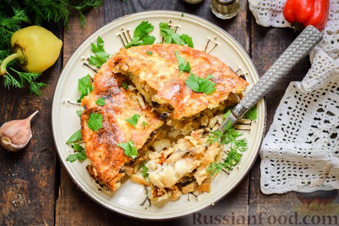 Фото приготовления рецепта: Рыбная запеканка с грибами и сметанно-сырной заливкой - шаг №15