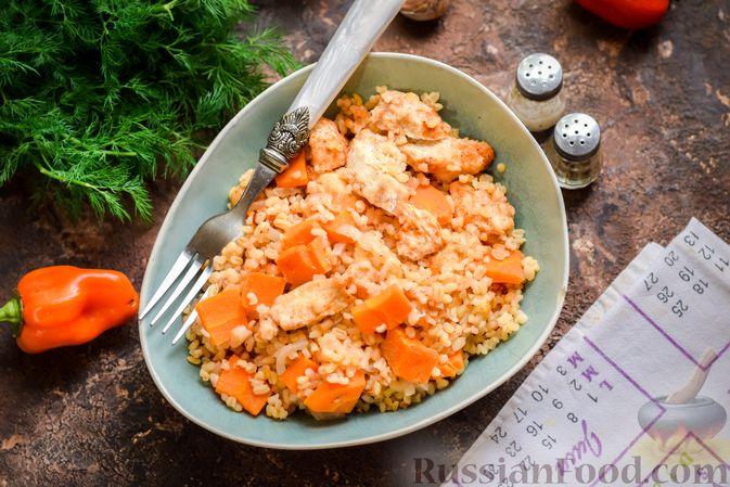 Фото приготовления рецепта: Куриное филе, запечённое с булгуром и овощами в рукаве - шаг №10