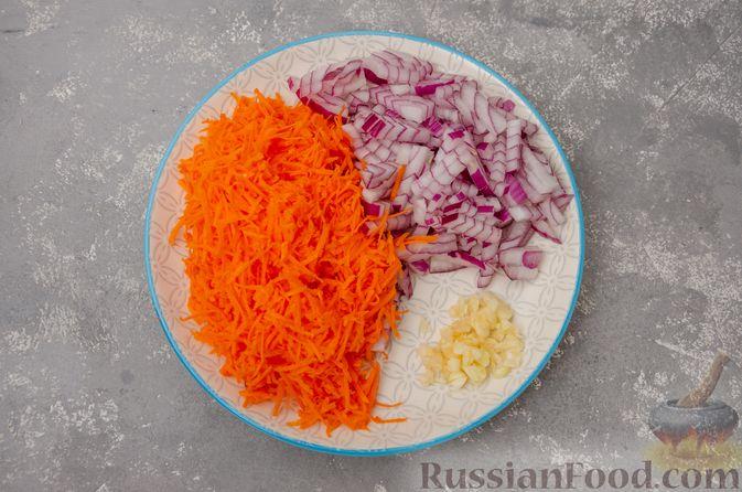 Фото приготовления рецепта: Жаркое со свининой, картошкой и тыквой - шаг №4