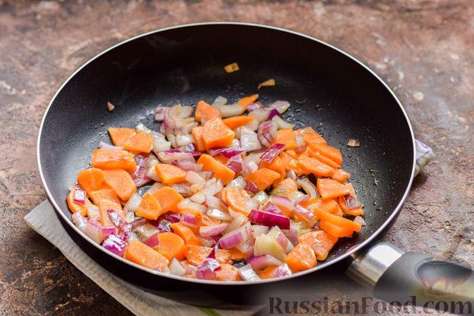 Фото приготовления рецепта: Рыбный суп из консервов, с пшеном - шаг №5