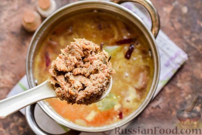Фото приготовления рецепта: Рыбный суп из консервов, с пшеном - шаг №7