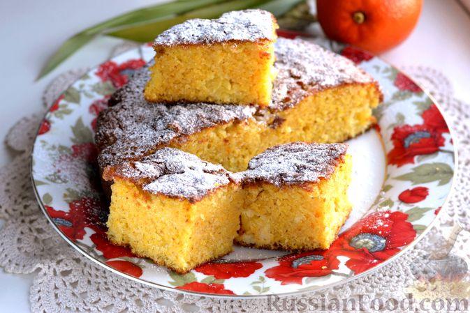 Фото к рецепту: Пирог на кефире, с кукурузной крупой и апельсином