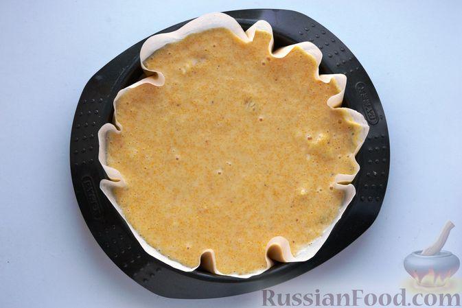 Фото приготовления рецепта: Пирог на кефире, с кукурузной крупой и апельсином - шаг №9