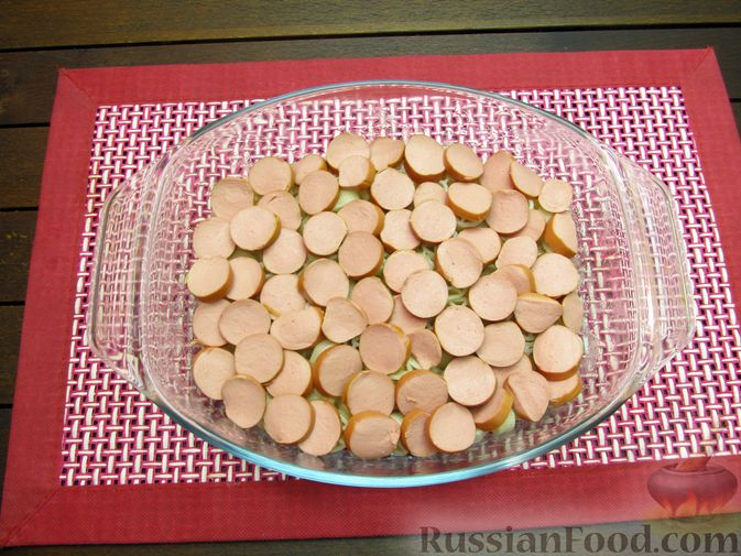 Фото приготовления рецепта: Запеканка из макарон с сосисками и сыром - шаг №7