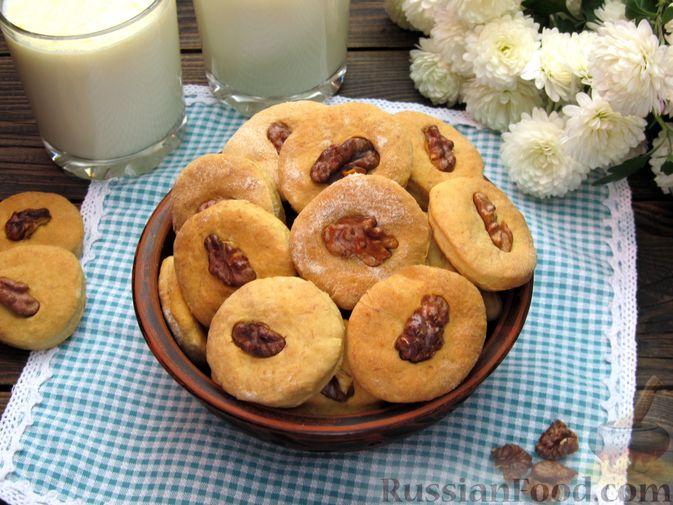 Фото приготовления рецепта: Банановое печенье с орехами - шаг №16