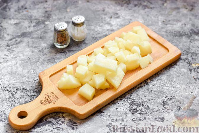 Фото приготовления рецепта: Борщ с белокочанной, цветной и пекинской капустой - шаг №2