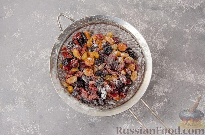 """Фото приготовления рецепта: Шотландский рождественский кекс """"Данди"""" - шаг №14"""