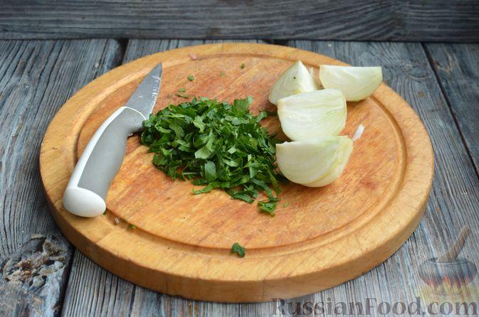 Фото приготовления рецепта: Котлеты из индейки и свинины - шаг №3