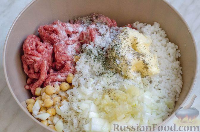 Фото приготовления рецепта: Голубцы с нутом, рисом и мясным фаршем - шаг №9