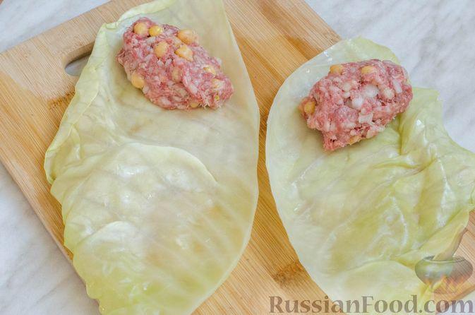 Фото приготовления рецепта: Голубцы с нутом, рисом и мясным фаршем - шаг №13