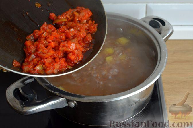 Фото приготовления рецепта: Гречневый суп с рыбными консервами - шаг №8