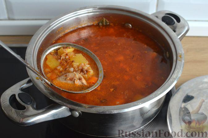 Фото приготовления рецепта: Гречневый суп с рыбными консервами - шаг №11