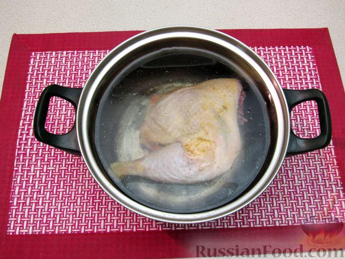 Фото приготовления рецепта: Гречневый суп с курицей и болгарским перцем - шаг №2