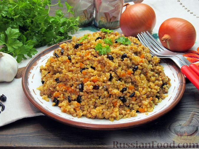 Фото к рецепту: Булгур с мясным фаршем и томатной пастой (на сковороде)