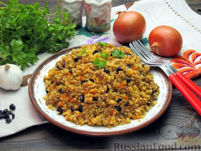 Фото приготовления рецепта: Булгур с мясным фаршем и томатной пастой (на сковороде) - шаг №15