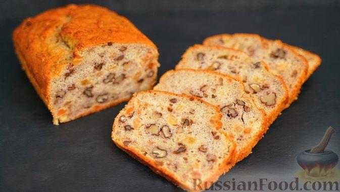 Фото к рецепту: Банановый хлеб с изюмом и орехами