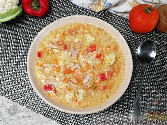 Фото приготовления рецепта: Фасолевый суп с пшеном и цветной капустой на курином бульоне - шаг №12