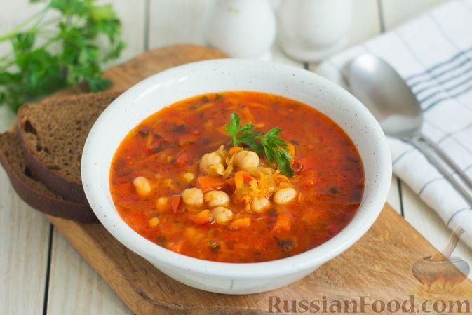 Фото к рецепту: Овощной суп с нутом и чечевицей