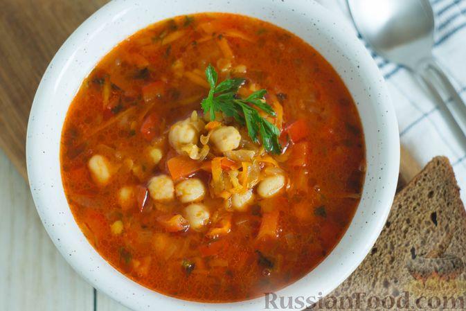 Фото приготовления рецепта: Овощной суп с нутом и чечевицей - шаг №10