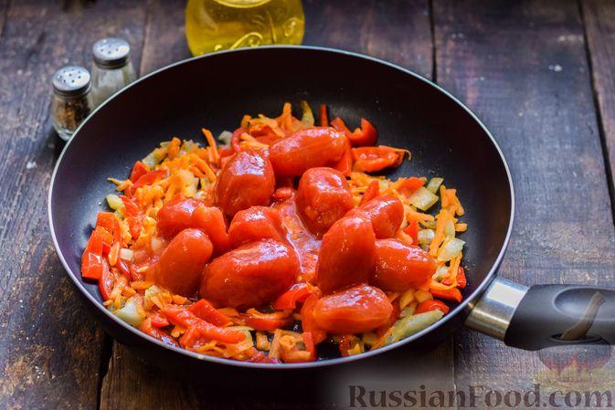 Фото приготовления рецепта: Щи со свиными рёбрышки и консервированными помидорами - шаг №8