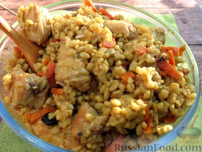 Фото приготовления рецепта: Плов из булгура с индейкой (на сковороде) - шаг №7