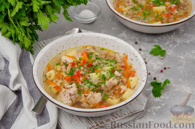 Фото к рецепту: Куриный суп с гречневой крупой и овощами