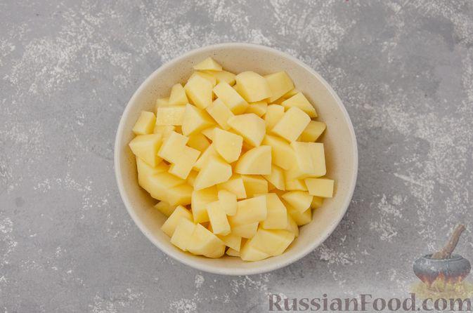Фото приготовления рецепта: Куриный суп с гречневой крупой и овощами - шаг №3