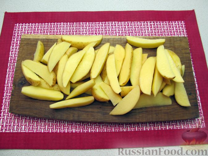 Фото приготовления рецепта: Картошка по-деревенски, в микроволновке - шаг №2