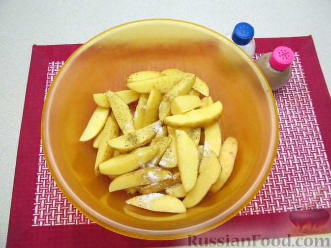 Фото приготовления рецепта: Картошка по-деревенски, в микроволновке - шаг №3