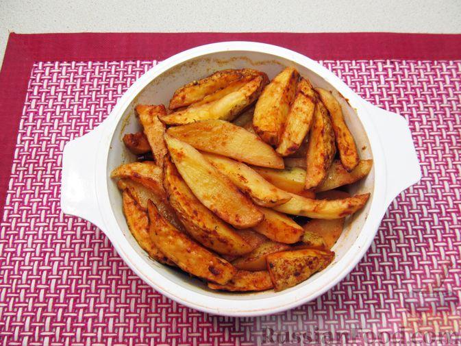 Фото приготовления рецепта: Картошка по-деревенски, в микроволновке - шаг №9