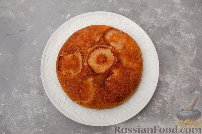 Фото приготовления рецепта: Яблочная шарлотка на сковороде - шаг №14