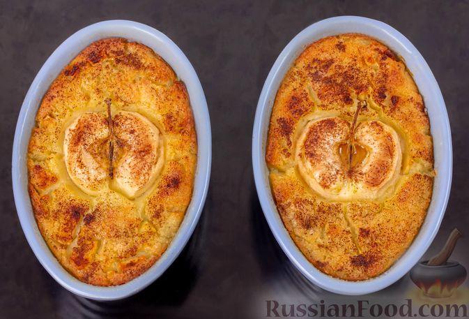 Фото приготовления рецепта: Запечённая манная каша с яблоками - шаг №8