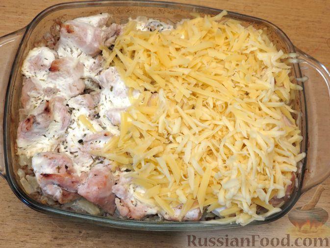 Фото приготовления рецепта: Гречка с куриным филе и сыром, в духовке - шаг №9