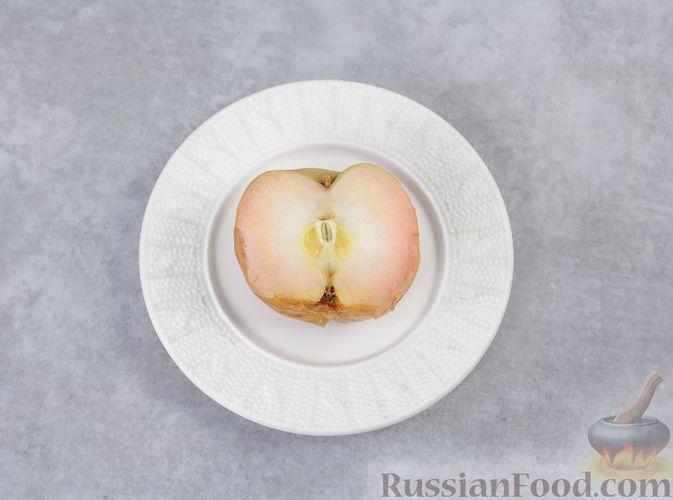 """Фото приготовления рецепта: """"Двойная"""" шоколадная овсянка на воде, с яблочно-банановым пюре - шаг №2"""
