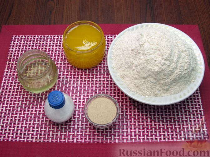 Фото приготовления рецепта: Цельнозерновой пшеничный хлеб с мёдом - шаг №1