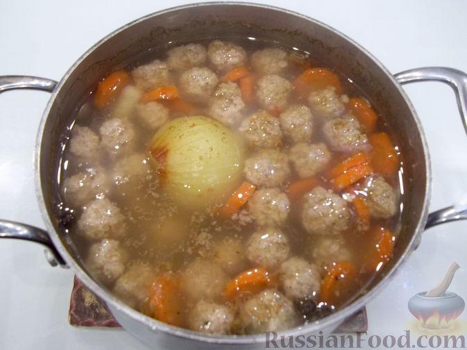 Фото приготовления рецепта: Суп с куриными фрикадельками и вермишелью - шаг №15