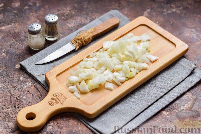 """Фото приготовления рецепта: Салат """"Сёмга под шубой"""" - шаг №3"""
