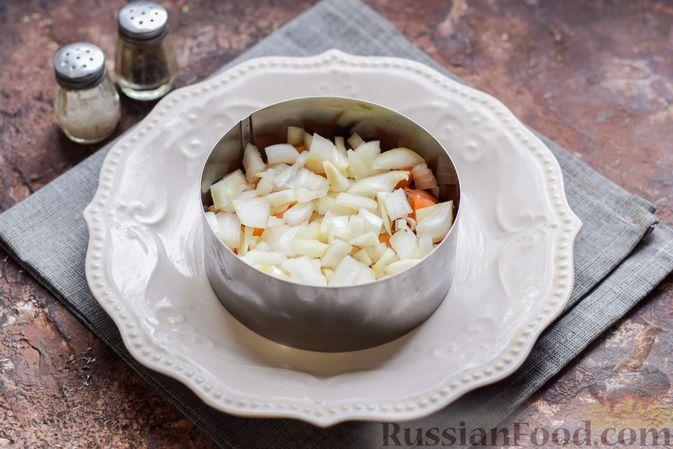 """Фото приготовления рецепта: Салат """"Сёмга под шубой"""" - шаг №9"""