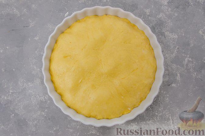 Фото приготовления рецепта: Банановый пирог-перевёртыш (Тарт Татен) - шаг №12