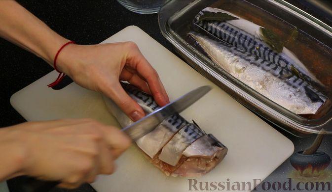 Фото приготовления рецепта: Малосольная скумбрия пряного посола - шаг №8
