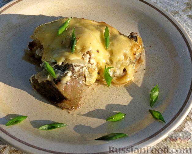 Фото приготовления рецепта: Куриная печень, запечённая с луком и сыром - шаг №12