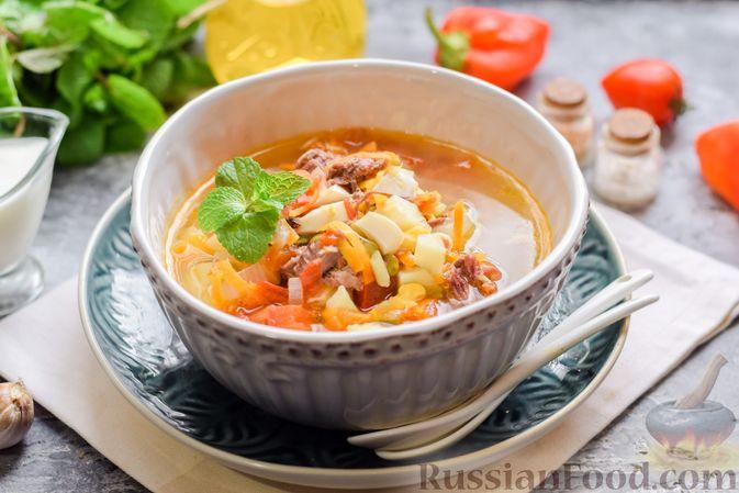 Фото к рецепту: Суп с тушенкой, консервированным горошком и сыром
