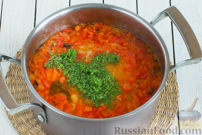 Фото приготовления рецепта: Чечевичный суп с овощами - шаг №7