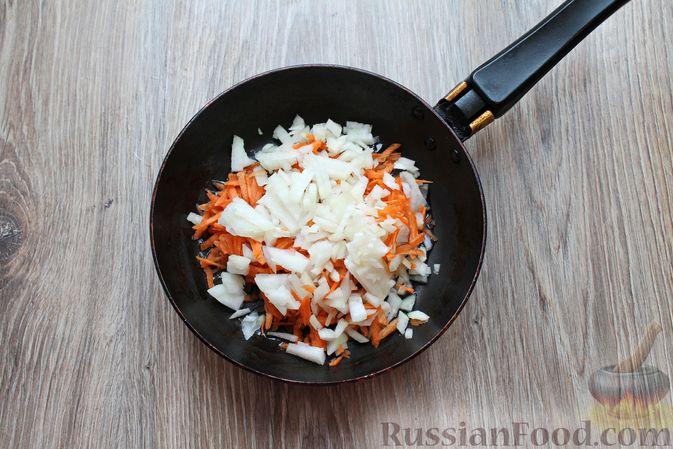Фото приготовления рецепта: Суп с тушенкой и макаронами - шаг №3