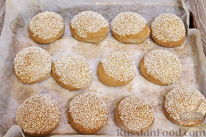 Фото приготовления рецепта: Булочки из цельнозерновой муки - шаг №18