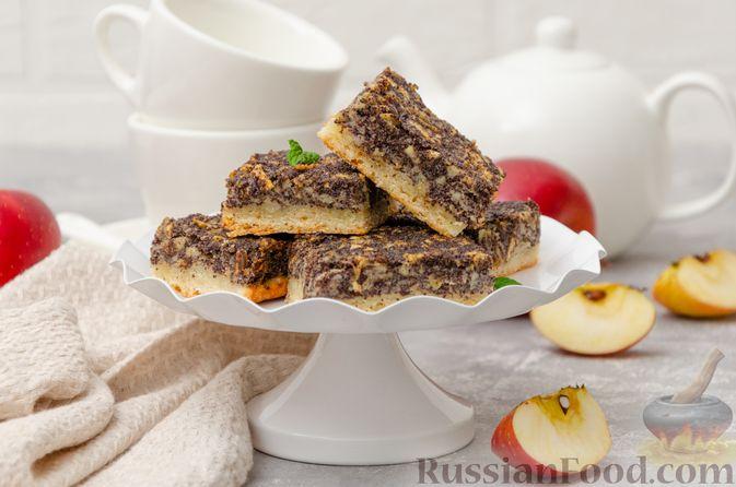 Фото к рецепту: Открытый пирог из песочного творожного теста с яблочно-маковой начинкой