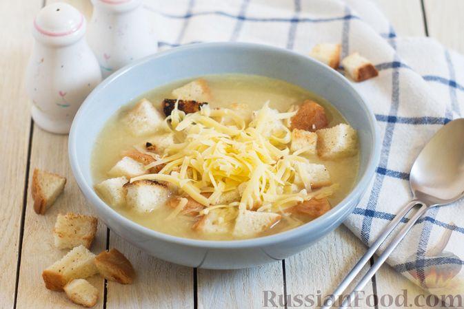 Фото к рецепту: Луково-картофельный суп-пюре