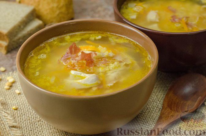 Фото к рецепту: Гороховый суп с копчёной грудинкой и курицей