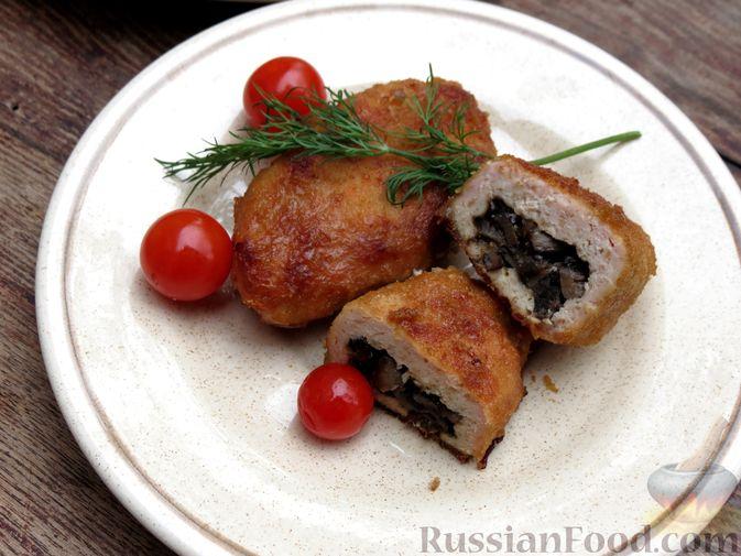 Фото приготовления рецепта: Зразы из индейки с шампиньонами и сыром (в духовке) - шаг №13